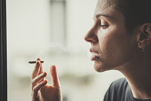 Woman who wants to quit tobacco